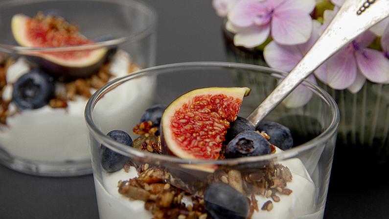 Yoghurt_granola_001_795x449